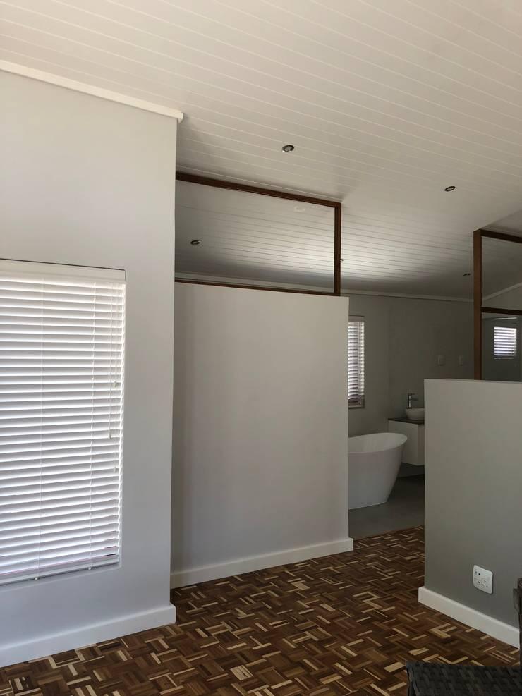 Barbosa Home:  Bedroom by Cornerstone Projects, Scandinavian