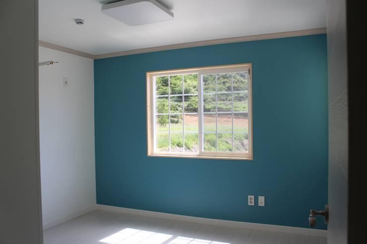 침실: 나무집협동조합의  방