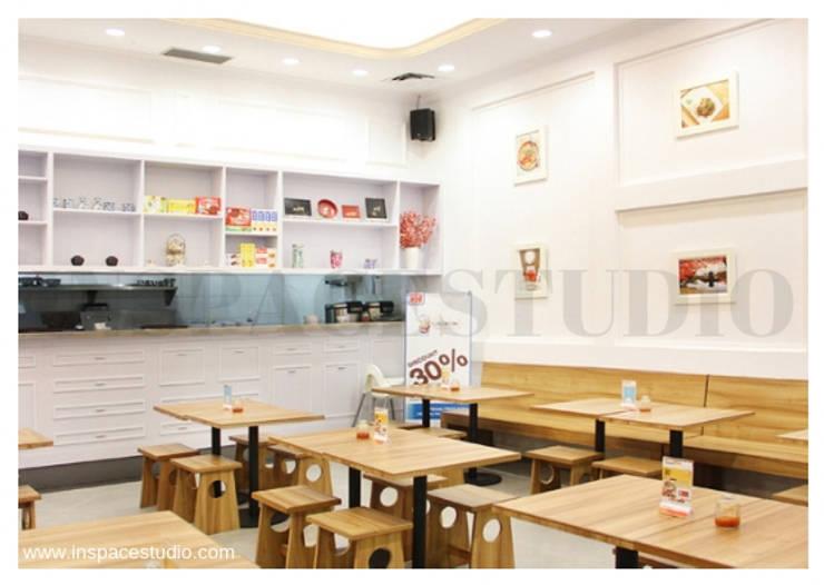 Cafe Wakaka - Perspektif lain :   by Inspace Studio