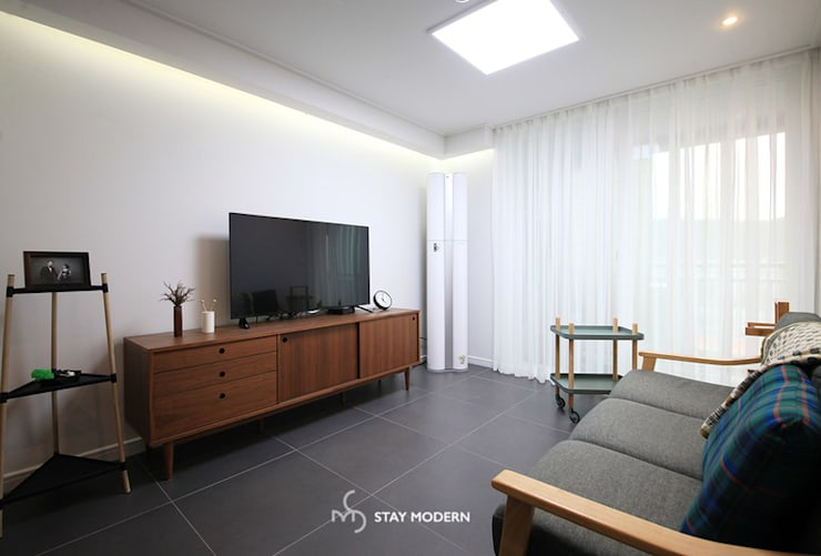 [25PY] 부산 장림 극동 스타클래스 25평 인테리어: 스테이 모던 (Stay Modern)의  거실