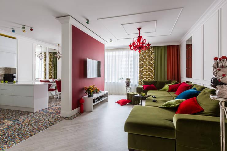 Wohnzimmer von Студия дизайна Светланы Исаевой