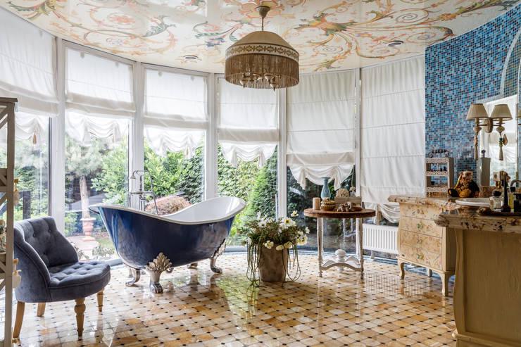 Baños de estilo  por Студия дизайна Светланы Исаевой