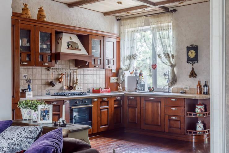 Cocinas de estilo  por Студия дизайна Светланы Исаевой