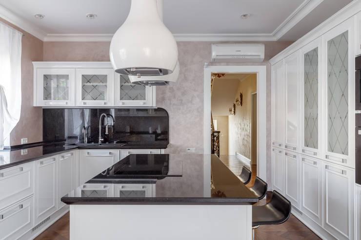 Дом с круглым окном: Кухни в . Автор – Студия дизайна Светланы Исаевой