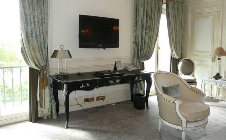 MOISSONNIER家具古典工藝,享受奢華進口家具:  客廳 by 北京恒邦信大国际贸易有限公司