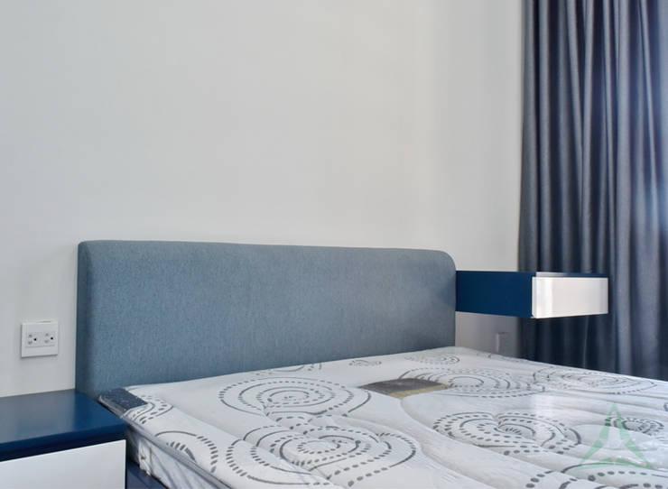 CĂN HỘ NHÀ MR CHÍNH TẠI NOVALAND SUNRISE:  Phòng ngủ by VAN NAM FURNITURE & INTERIOR DECORATION CO., LTD.