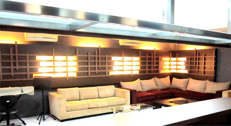 Ruang Tunggu :  Bar & Klub  by POWL Studio