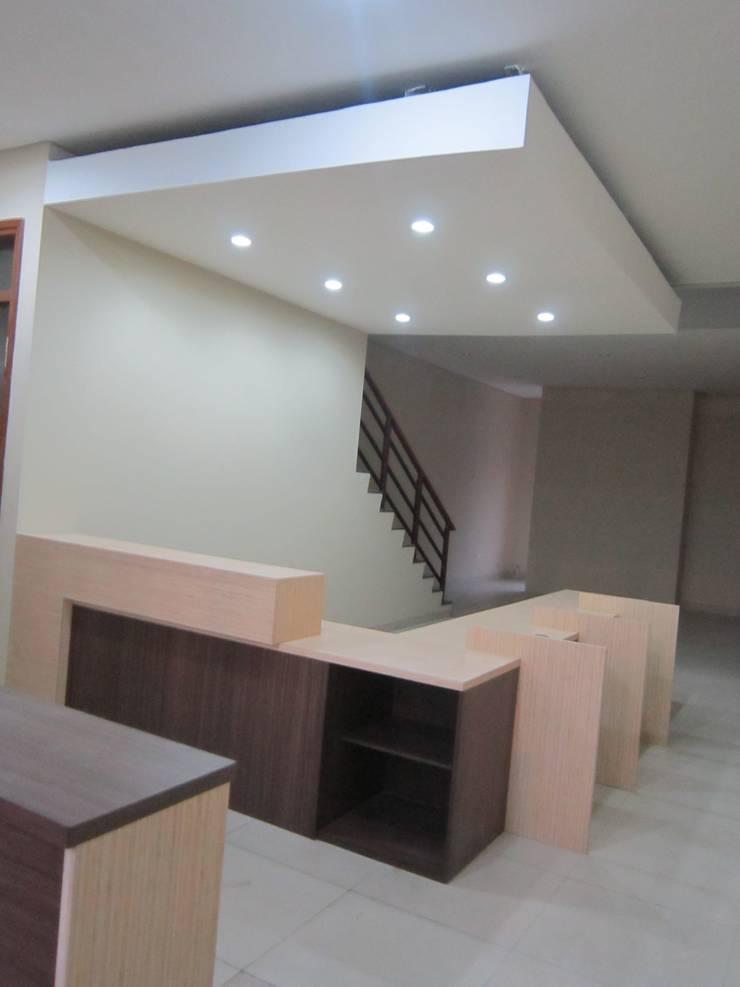 Kantor Infra RCS:  Kantor & toko by POWL Studio