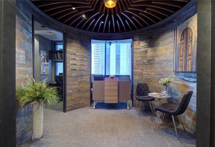ARTERRA MİMARLIK LTD.ŞTİ. – GİRİŞ HOLÜ, KARŞILAMA:  tarz Ofis Alanları