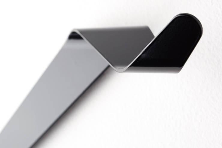 Garderobe aus Metall, Garderobenhaken für jede Wand:  Flur, Diele & Treppenhaus von Neuvonfrisch - Möbel und Accessoires