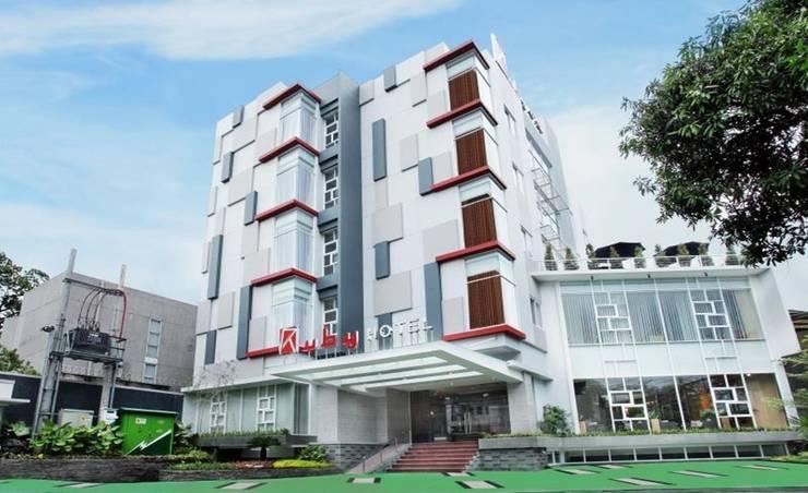 facade:  Hotels by daun architect