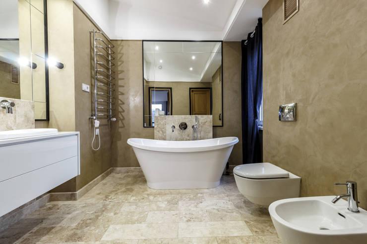 Bathroom by  Studio architecture and design LAD.Студия архитектуры и дизайна ЛАД .