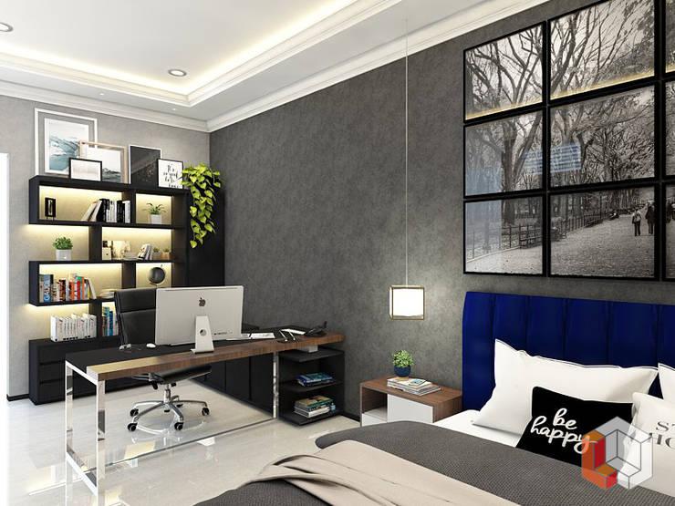 Kamar Anak Bukit Gading Villa:  Ruang Kerja by Lavrenti Smart Interior