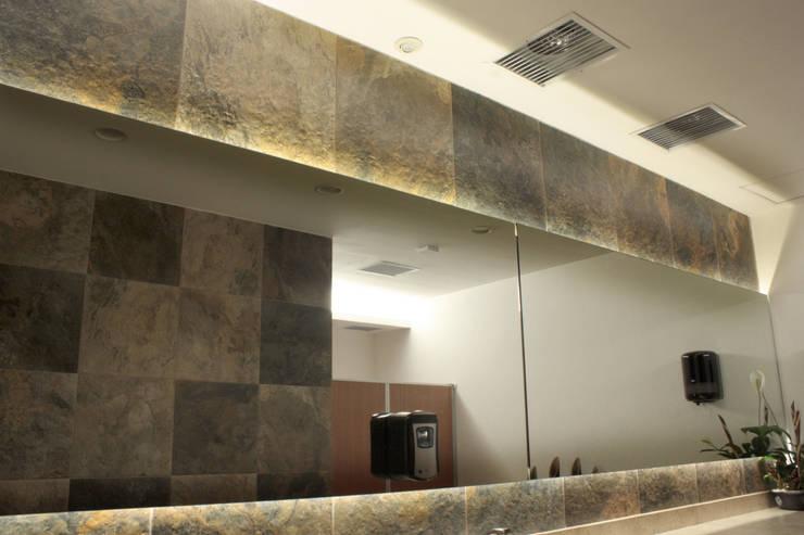 Baños de estilo  por emARTquitectura