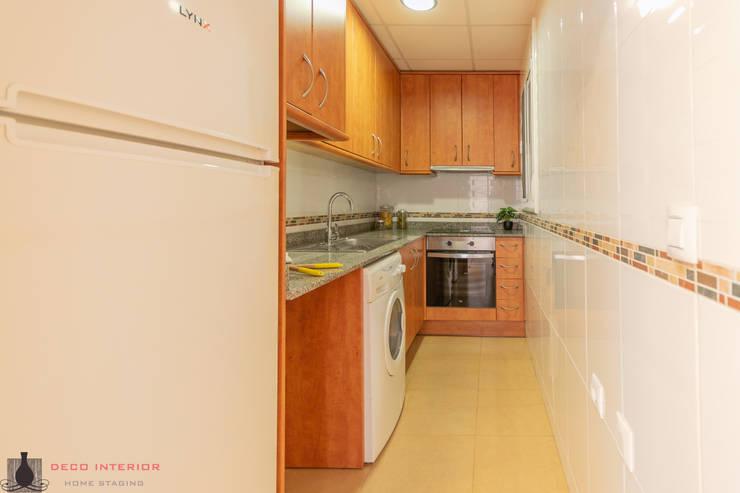 Nhà bếp theo Home Staging Tarragona - Deco Interior, Hiện đại