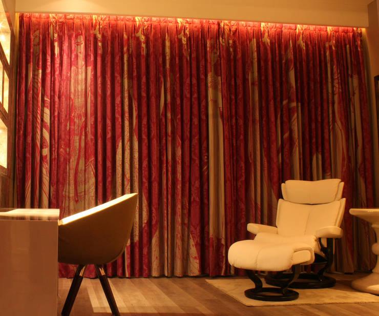 Agarwal House:  Bedroom by Studio 63,