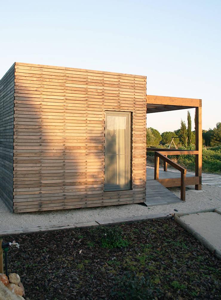Bungalow Wood Algarve - Vista Lateral: Bungalows  por goodmood - Soluções de Habitação