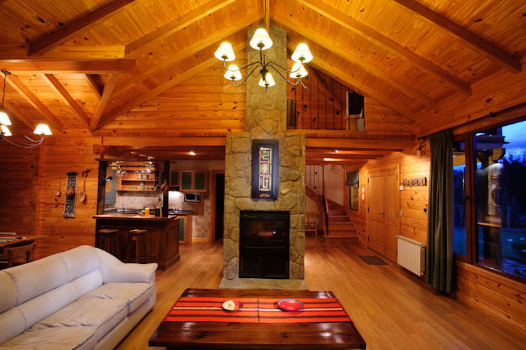 غرفة المعيشة تنفيذ Patagonia Log Homes - Arquitectos - Neuquén