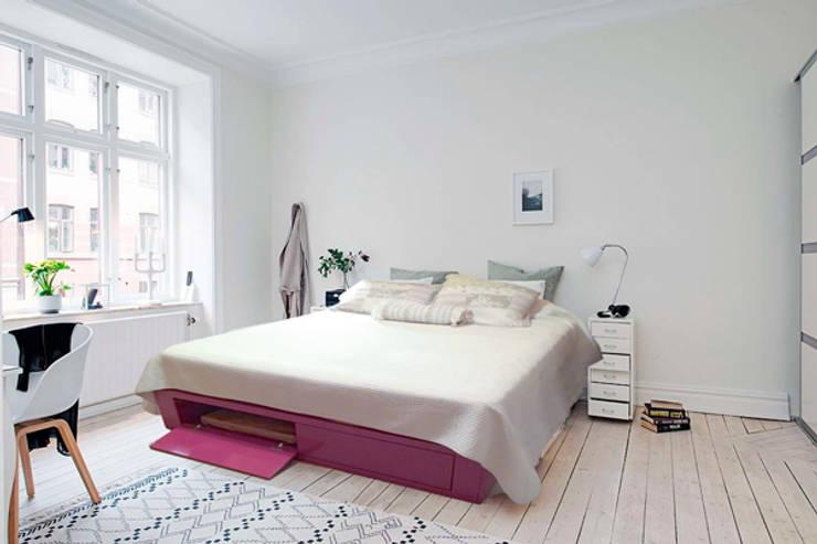 Cama Tokio: Dormitorios de estilo  por Sibonia,
