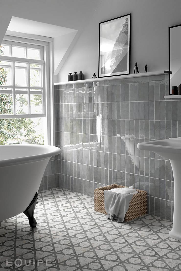 Carrara Wall Tile:  de estilo  de Equipe Ceramicas