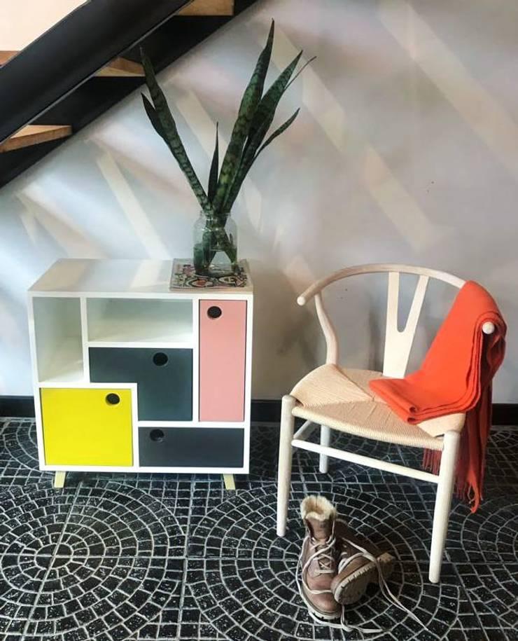 Mueble Swing: Livings de estilo  por Sibonia,