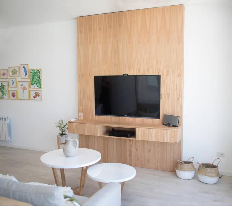 quincho -nardo- : Livings de estilo  por olot design,