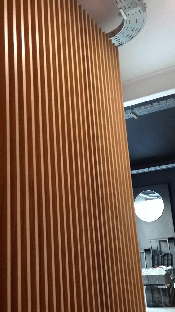 LED Studio – Las Condes: Estudio de estilo  por TONINO