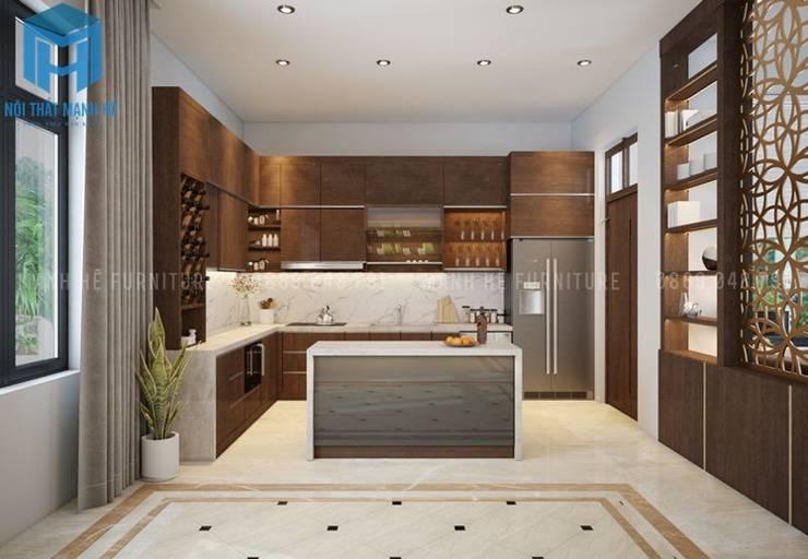 Hệ thống tủ bếp hình chữ L khá sang trọng:  Phòng ăn by Công ty TNHH Nội Thất Mạnh Hệ