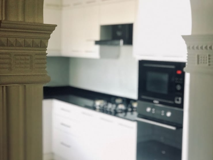 Kitchen by Alcyone Interiors