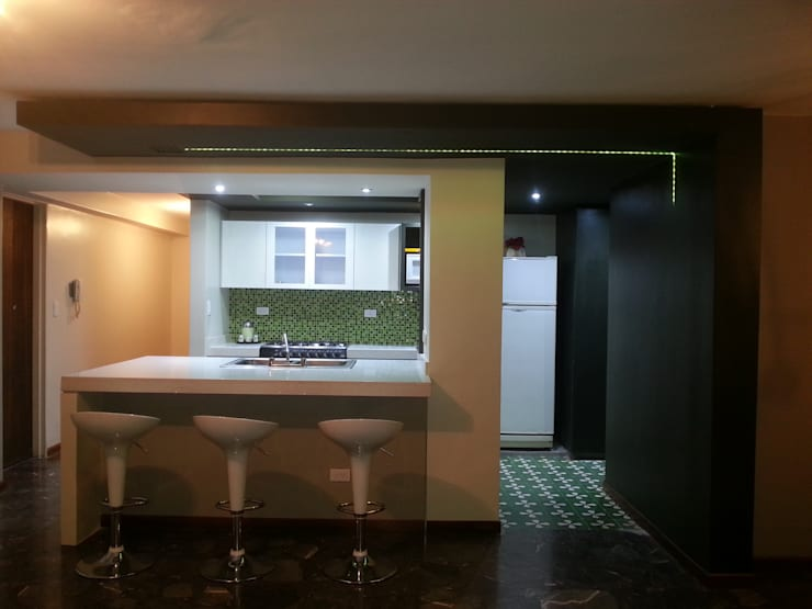 Vista Principal: Cocinas equipadas de estilo  por MARATEA Estudio