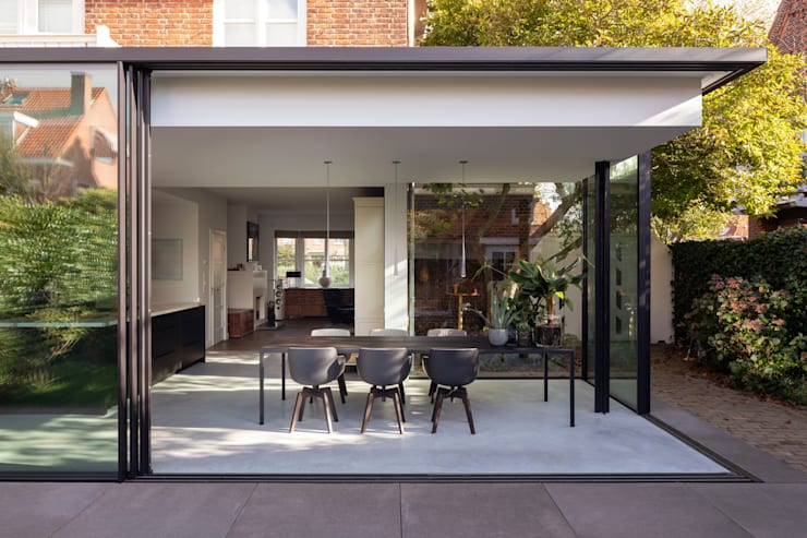 Dining room by Bloot Architecture