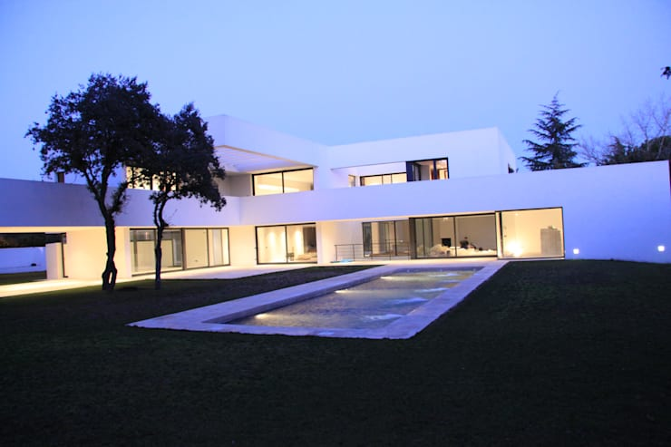 Piscina: Piscinas de estilo  de Otto Medem Arquitectura S.L