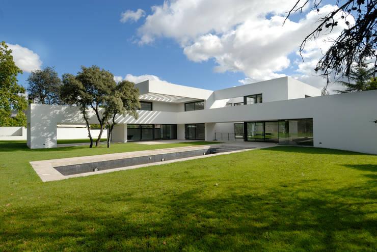 Jardín: Jardines de estilo  de Otto Medem Arquitectura S.L