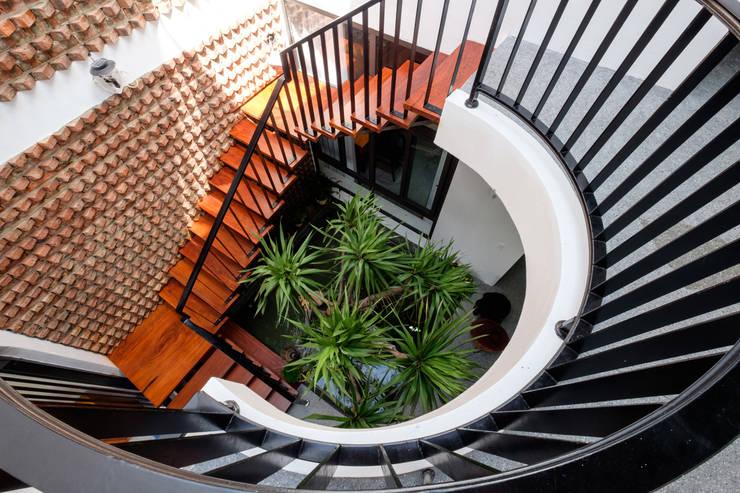 Лестницы в . Автор – Mét Vuông