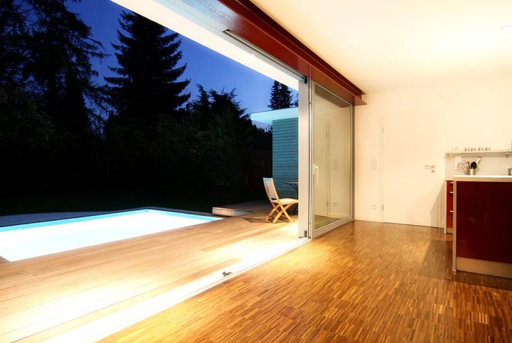 DH am Westpark München:  Terrasse von WSM ARCHITEKTEN