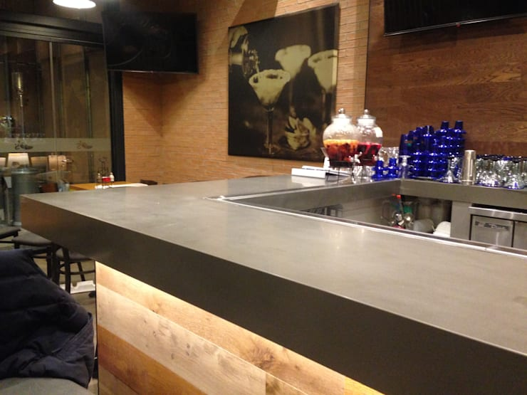 Chillis – Las Condes: Restaurantes de estilo  por TONINO