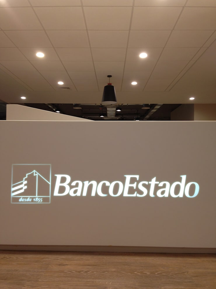 Banco Estado Corporativo: Edificios de Oficinas de estilo  por TONINO