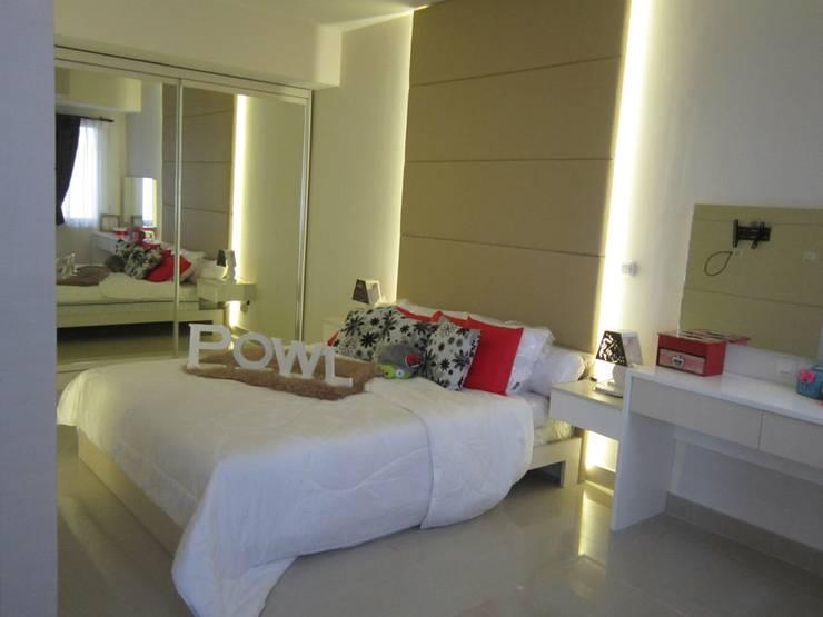 Sudirman Suite Tipe Studio: Kamar Tidur oleh POWL Studio, Minimalis