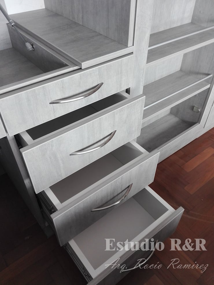 Cajones para cosméticos, cremas y/o útiles de escritorio: Dormitorios de estilo  por Estudio R&R