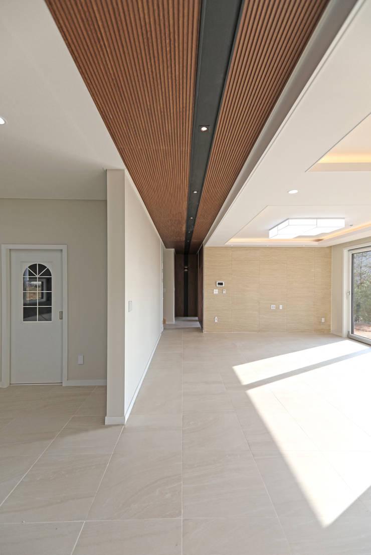 Corridor & hallway by 하우스톡