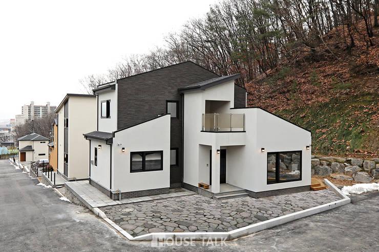 Houses by 하우스톡