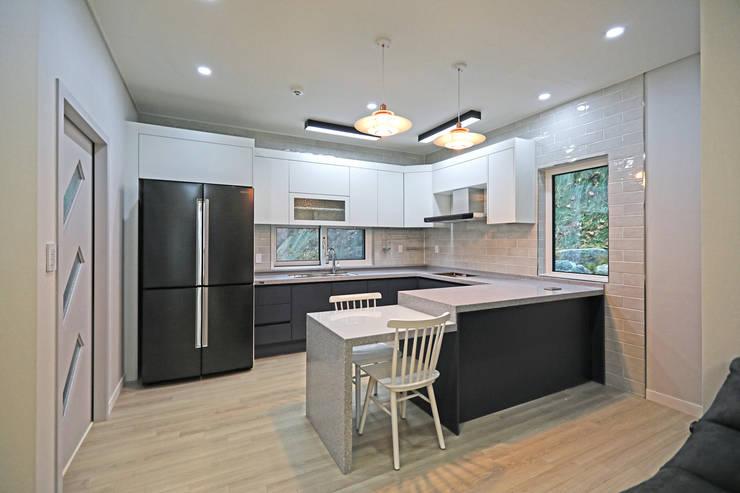 Kitchen by 하우스톡