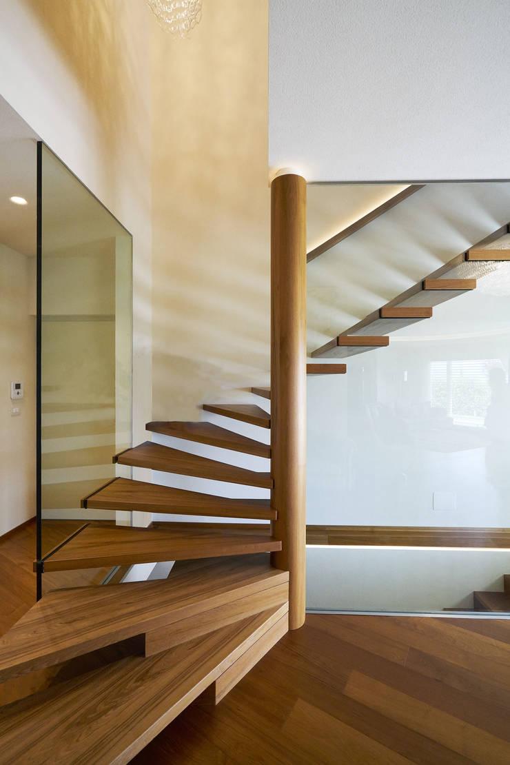 Bevorzugt MISTRAL - Aus Holz, gewendelt mit Glaswand von Siller Treppen LW09