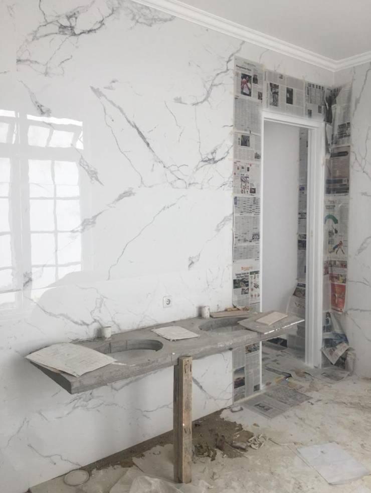 EKSISTING WC MASTER Kamar Mandi Klasik Oleh JRY Atelier Klasik Marmer
