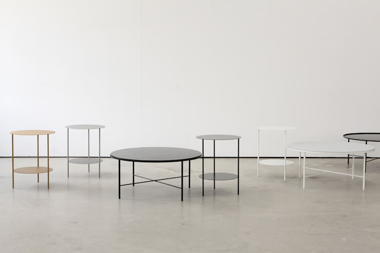 Basic Round Side Table [Black.White]: PLUSTAN. 플러스탠의  거실