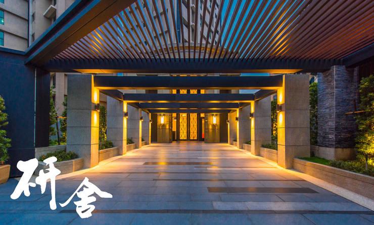 新北-合新公園1綻:  陽台、門廊與露臺 by 研舍設計股份有限公司