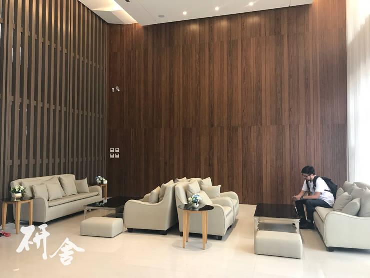 基隆-上品硯:  室內景觀 by 研舍設計股份有限公司
