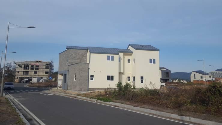 진주 혁신도시 듀플렉스 주택 설계 시공: neobuild의  ,