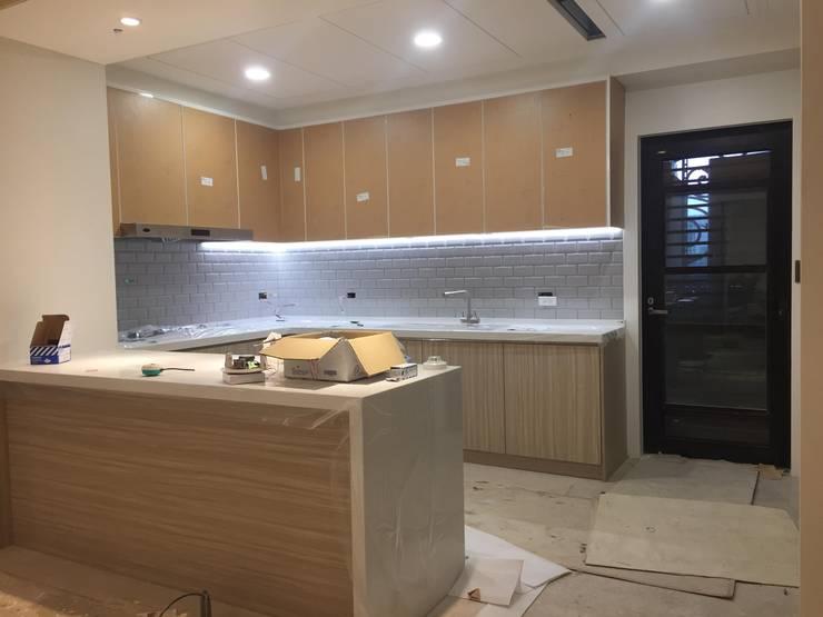 室內裝修、統包工程、老屋翻新、社區公設:  廚房 by 御品室內裝潢公司