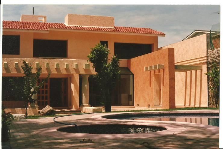 Diferentes tipos de Construcciones /Proyectos y Obras: Casas de estilo  por F.arquitectos